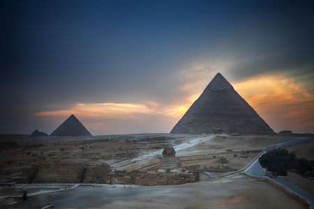 The Giza Pyramids and the Sphinx in the evening, Egypt. Banque d'images - 125039510