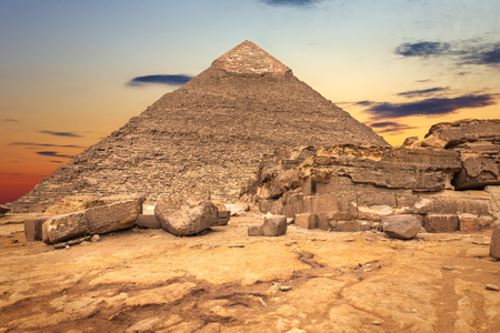 The Temple ruins and the Pyramid of Khafre, Giza, Egypt Stock Photo