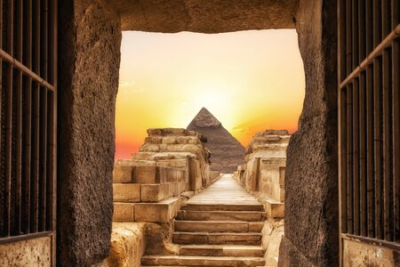 Chephrens Temple and the Pyramid of Chephren, Giza, Egypt.