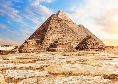 The Pyramids in the sand and stones, Giza, Egypt Imagens