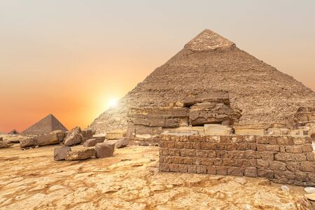 The evening view on the Pyramid of Khafre in Egypt. Imagens - 128768989