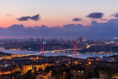 The 15 July Martyrs Bridge or the Bosphorus bridge in Istanbul, Turkey, night view Imagens