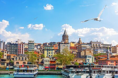 Karakoy district and the Galata Tower, view from the Bosphorus, Istanbul, Turkey Imagens