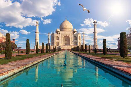 Taj Mahal, famous marble mausoleum in Agra, Uttar Pradesh, India.
