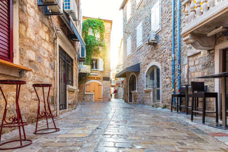 Old Town of Budva and traditional buildings of Montenegro Imagens