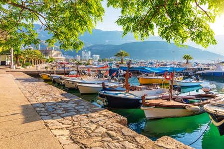 Boats and Yachts in Dukley Marina, Budva, Montenegro Imagens