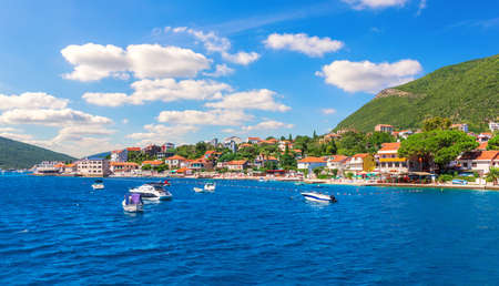 The coast of the Adriatic sea and Yachts, Kotor area, Montenegro. Stockfoto
