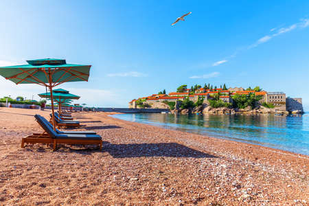 View on Sveti Stefan islet from the beach, Budva riviera, Montenegro Stockfoto