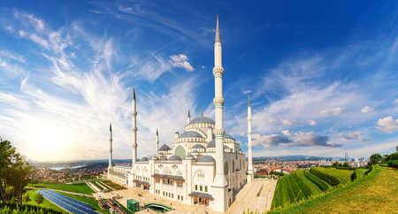 Istanbul Mosque, the great Camlica, Turkey 免版税图像