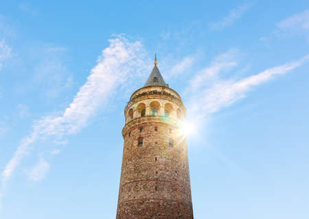 Close detailed view of the Galata Tower, Istanbul, Turkey 免版税图像
