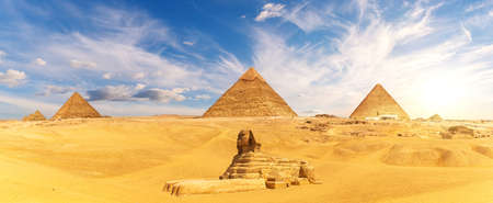 The Great Sphinx by the Egypt Piramid Complex, famous Wonder of the World, Giza 免版税图像