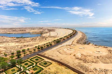 Aswan High Dam view, sunny day panorama, Egypt 免版税图像