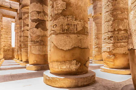 Karnak Temple, columns of the Hypostyle Hall, Luxor, Egypt. 免版税图像