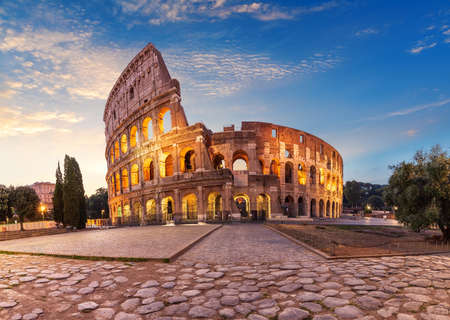 Coliseum at sunrise, summer view without people, Rome, Italy 版權商用圖片