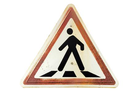 Señal de tráfico triangular de la frontera del jengibre oxidado 'Paso de peatones' aislado en blanco.