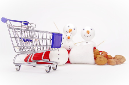 snowman shopping cart isolated on white background 版權商用圖片