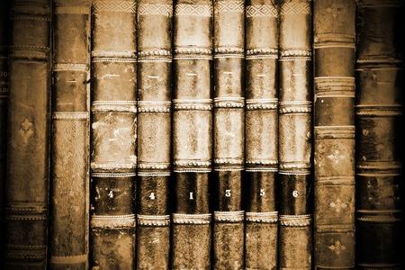 alte Bücher im Display auf einem Markt Standard-Bild
