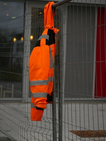 closing time: nonworking time on a building site