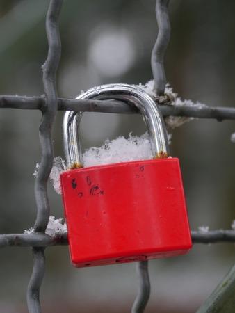 link love: red love lock in winter Stock Photo