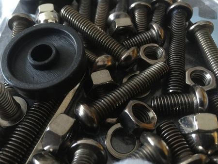 screw bolts bag