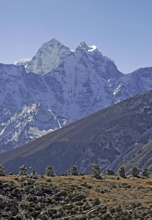 mani: Mt. Kangtega can be viewed on the way to Everest Base Camp.