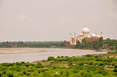 jehan: Yamuna river by the Taj Mahal