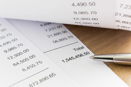 Close up of receipt paper. Grocery shopping list Standard-Bild