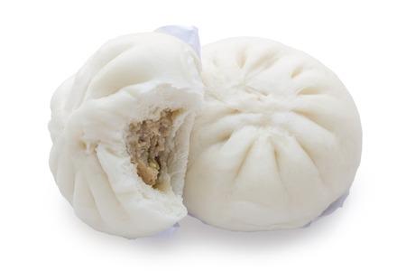 Gestoomde bun isoleren op een witte achtergrond