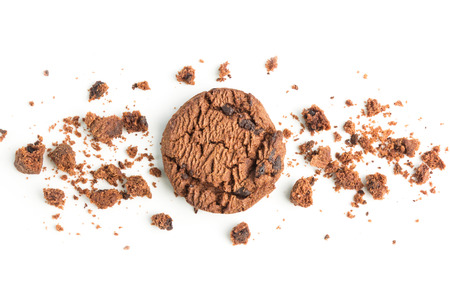 Homemade chocolate chips dark cookies on white background Standard-Bild - 106940034