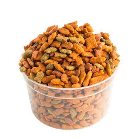 cat food filled in bowl on white background Standard-Bild - 108059388