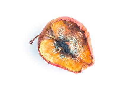 Fauler Apfel auf Weiß in der Draufsicht Standard-Bild