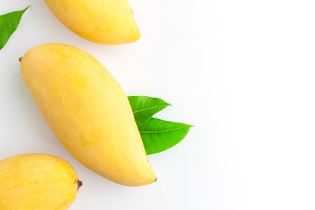 Ripe mangoes in top view Stockfoto