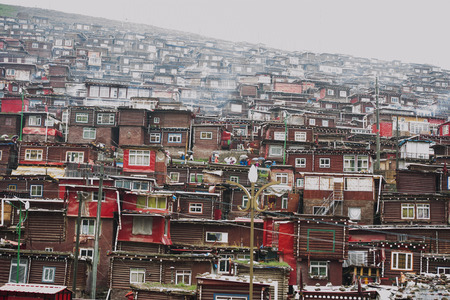 tibetan house: La Seda Buddhist temple five Ming Rong