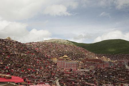 lamaism: Sichuan Rong Ming Temple five La Seda Buddhist Institute Editorial