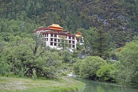 sichuan: temple at hill, Sichuan