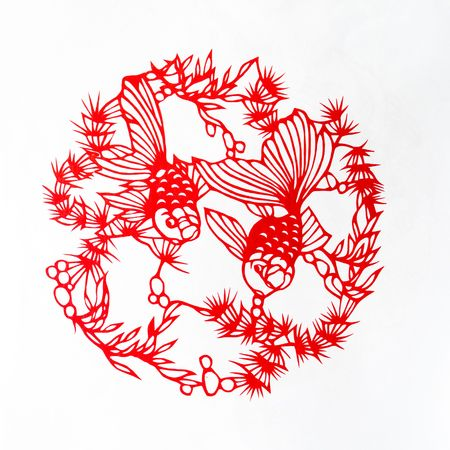 scenarios: Fish,This is a Chinese paper-cut, reflecting the animal a happy life scenarios.