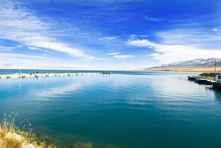 Lakes,This is the Qinghai Lake is Chinas famous lakes.