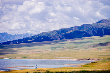Sailimu Lake Imagens - 108575523