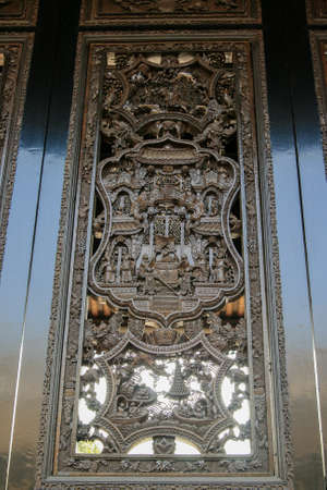 carved: Carved windows