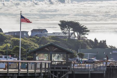 coquille: Old Town Bandon Pier Marina, Coquille fiume incontra l'Oceano Pacifico, Bandon, Oregon.USA. Editoriali
