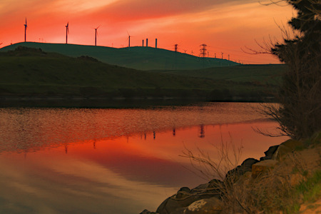 san joaquin valley: Sunset at Bethany Reservoir, San Joaquin Valley, CA. USA.