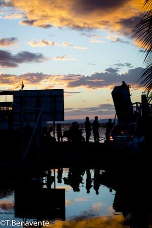 Sunset reflection  at Moyogalpa Beach, Ometepe Island, Rivas, Nicaragua Imagens