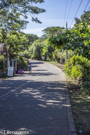 Waiting for transportation, Ometepe Island, Rivas, Nicaragua. Imagens