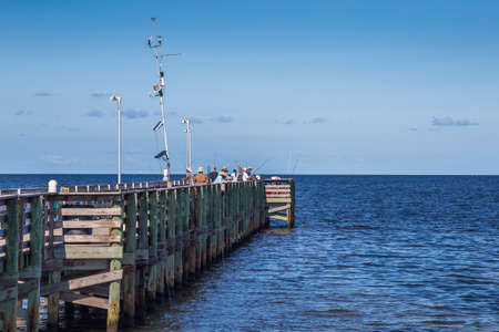 Anglers at Anclote Fisihing Pier, Holiday, FL Redakční