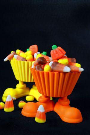 pleat: Corn candy in cute cups.