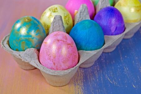 luster: Easter eggs in generic gray carton.
