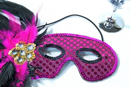 sequin party mask with silver goblet on white Imagens - 17668808