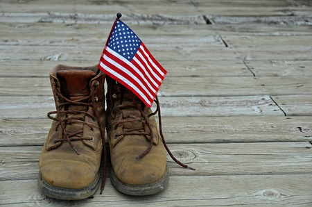 shoestring: American flag in work boots