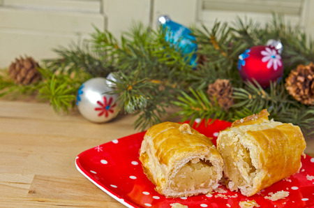 banket: Dutch banket with holiday ornament and pine bough