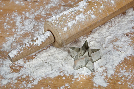 wood cutter: old-fashioned rolling pin with star cookie cutter